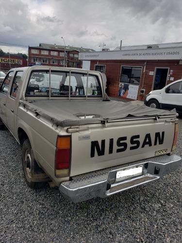 nissan 2000 d cabina año 1990