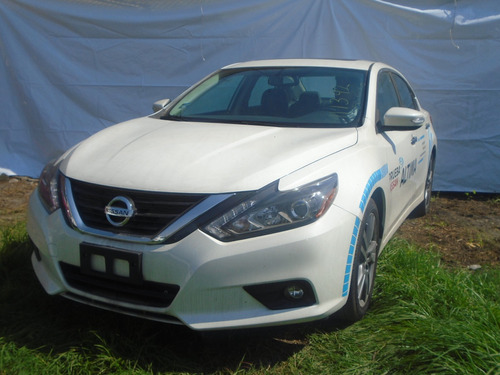 nissan altima sportback exclusive