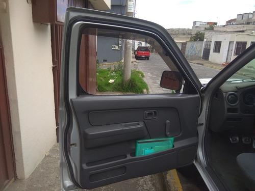 nissan camioneta 2011