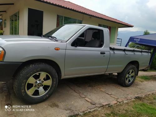 nissan d-22 np300 2.4 gasolina 2012