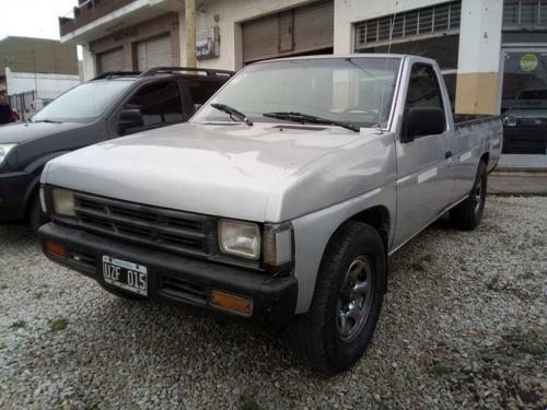 nissan d21 1994 cab simple con gnc