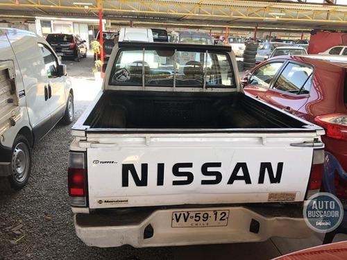 nissan d21  2003