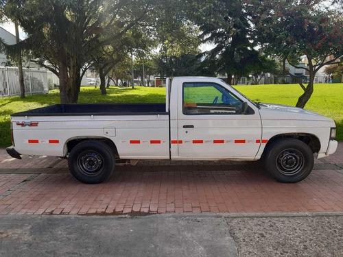 nissan d21 4x2 gasolina 1 ton