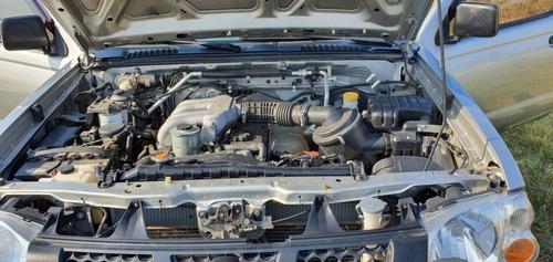 nissan frontier 3.2 diesel  4x4 la mas buscada 135000 kms.