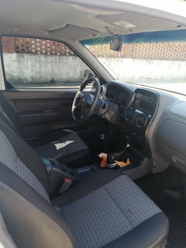 nissan frontier 4.0 crew cab xe 5vel 4x2 mt 2013