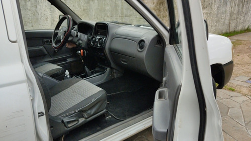 nissan frontier 4x2 doble cabina