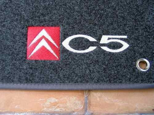 nissan frontier em  carpete  tapete carro personalizado