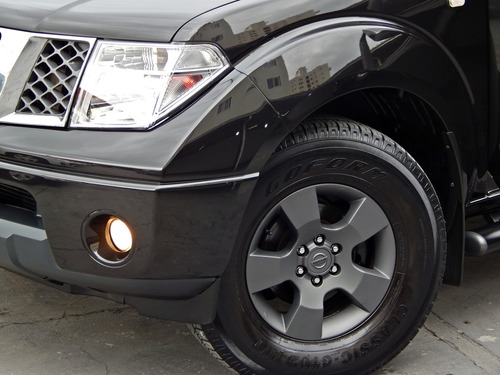 nissan frontier le 2.5 4x4 automática diesel
