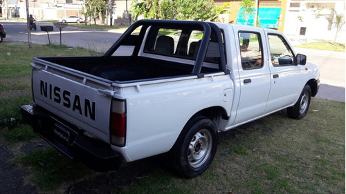 nissan frontier np 300 doble cabina 4x2