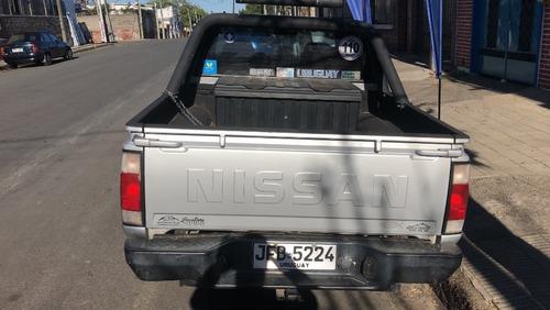 nissan frontier np300 2.4cc muy cuidada a toda prueba