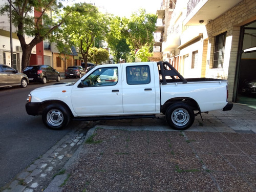 nissan frontier np300 4x2 doble cabina año 2011 unica!!