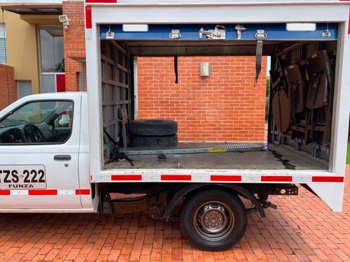 nissan frontier np300 furgon