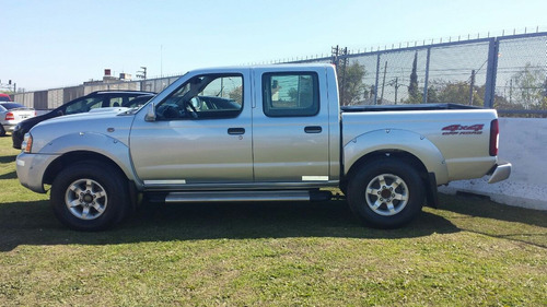 nissan frontier se 4x2 doble cabina