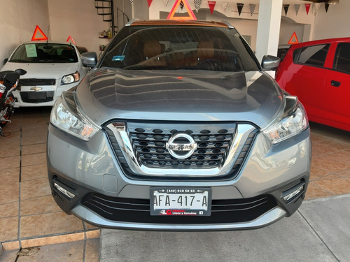 nissan kicks 1.6 bitono at cvt 2017