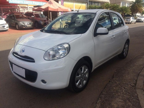 nissan march 1.6 sv 2013/2014