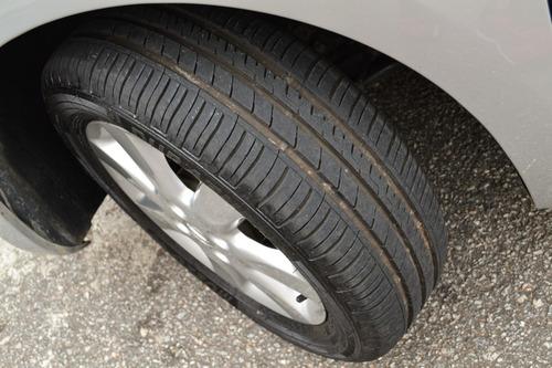 nissan march sv 1.6 - completo - pneus novos - 2014