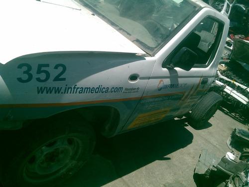 nissan np300 2007 diesel venta de refacciones