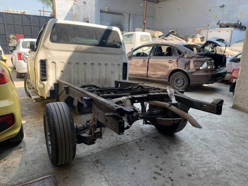 nissan np300 2017 para reparar