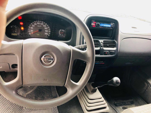 nissan np300 2.4 chasis dh mt 2011