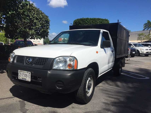 nissan np300 2.4 chasis dh mt 2012