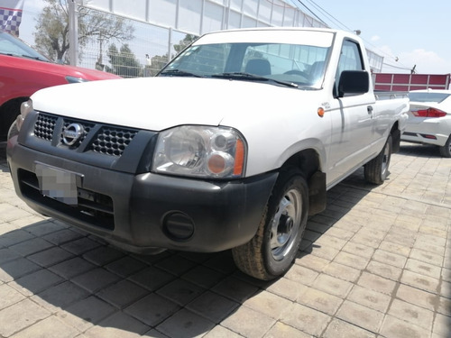 nissan np300 2.4 chasis dh mt 2014