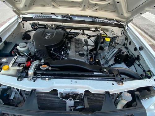 nissan np300 2.4 chasis dh paquete de seguridad mt 2014