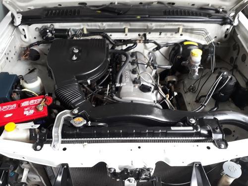nissan np300 2.4 chassis  mt 2012 vendida