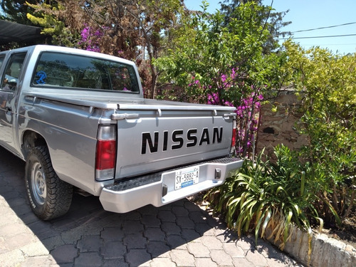 nissan np300 2.4 doble cabina limited edition mt 2003