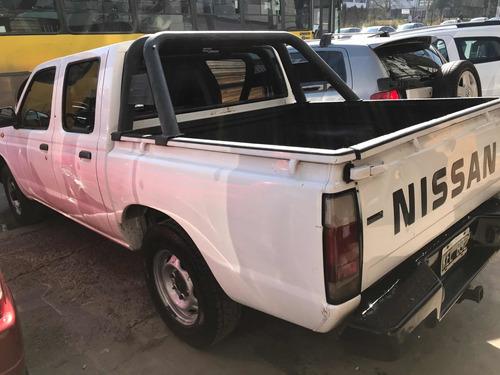 nissan np300 2.5 cabina doble 133cv 60790577