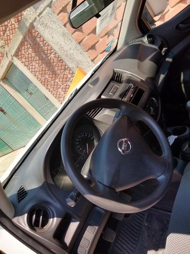 nissan np300 2.5 chasis cabina dh aa mt 2016