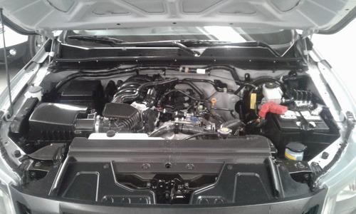 nissan np300 2.5 chasis cabina  pack seg mt 2018