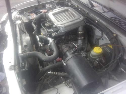 nissan np300 2.5 diesel chasis 4x2 mt 2013