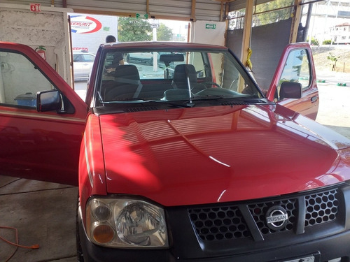 nissan np300 4 cilindros