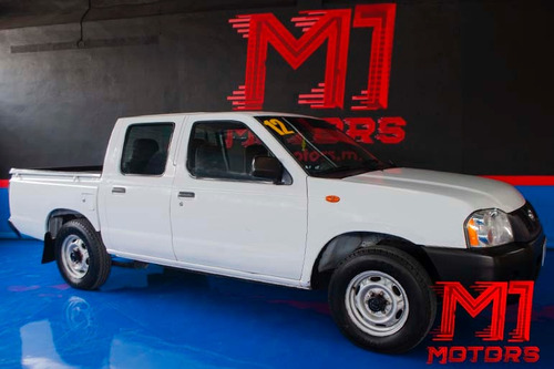 nissan np300  doble cabina t/m 2012 blanca $ 179,000
