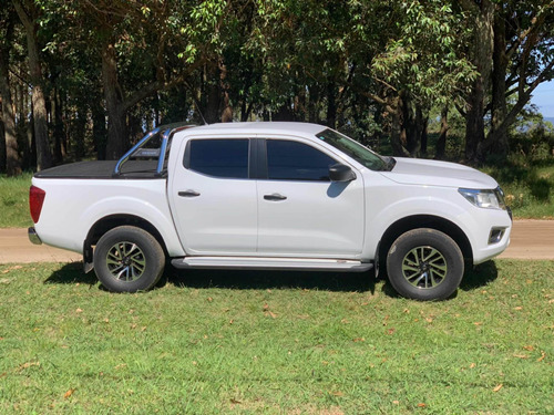 nissan np300 frontier 2.5 se doble cabina año 2017