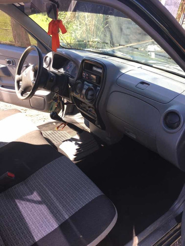 nissan np300 frontier pick up