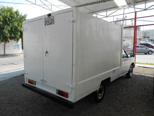 nissan np300 largo tm5 mt 2003