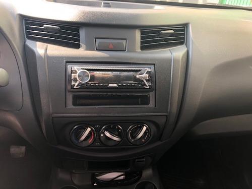 nissan np300 pick up 2 puertas 2019