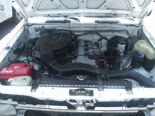 nissan pick-up 2.4l 4 cilindros