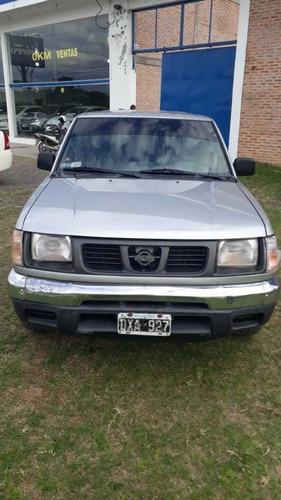 nissan pick-up 2.5 25 d/cab 4x2 dx 2002