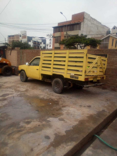 nissan  pick up  año 1986