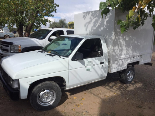 nissan pick up, año 2005