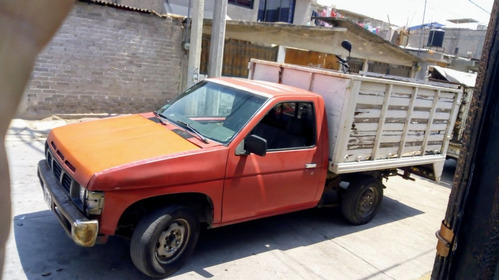 nissan pick-up estaquitas de redilas datsun