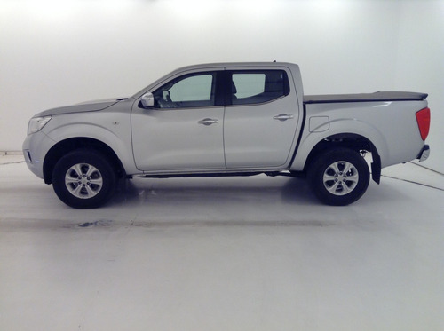 nissan pick-up fron. 2.3 np 300 4x4 xe