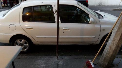 nissan platina 2003, 4 puertas.