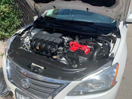nissan sentra 1.8 sr navi at 2015
