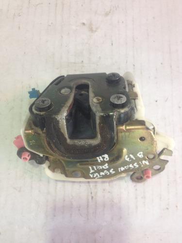 nissan sentra b13 cerradura delt derecha usada