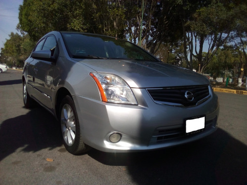nissan sentra emotion 2.0 seminuevo e impecable