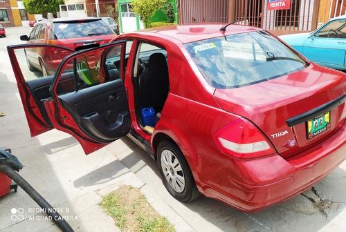 nissan tiida 1.8 advance sedan mt 2011