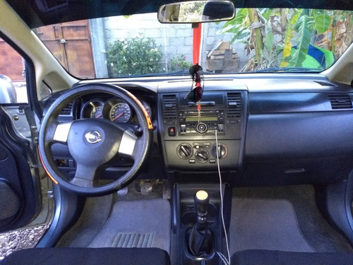 nissan tiida 1.8 advance sedan mt 2012
